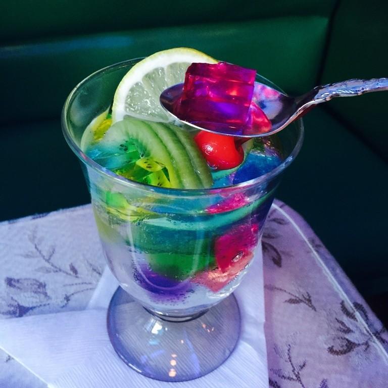 京都喫茶Soiree-七彩果凍氣泡水