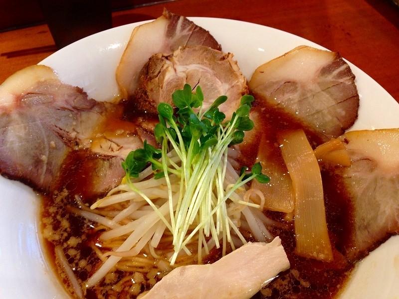 在惠美須町『清麵屋』的叉燒黑蕎麥麵・炸雞!