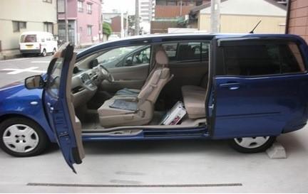 『TOYOTA RAUM』車內