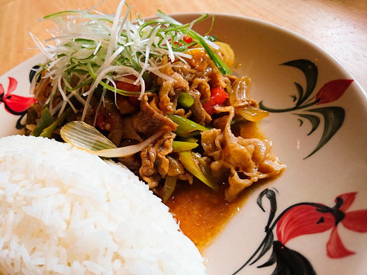 大阪泰式料理busaba-每日炒物午餐