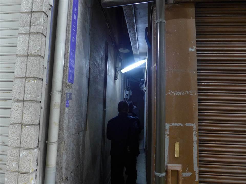 這麼小條的小路裡會有酒吧嗎!?野田阪神站『地獄谷冥土Bar』&『地獄谷Masquerade』