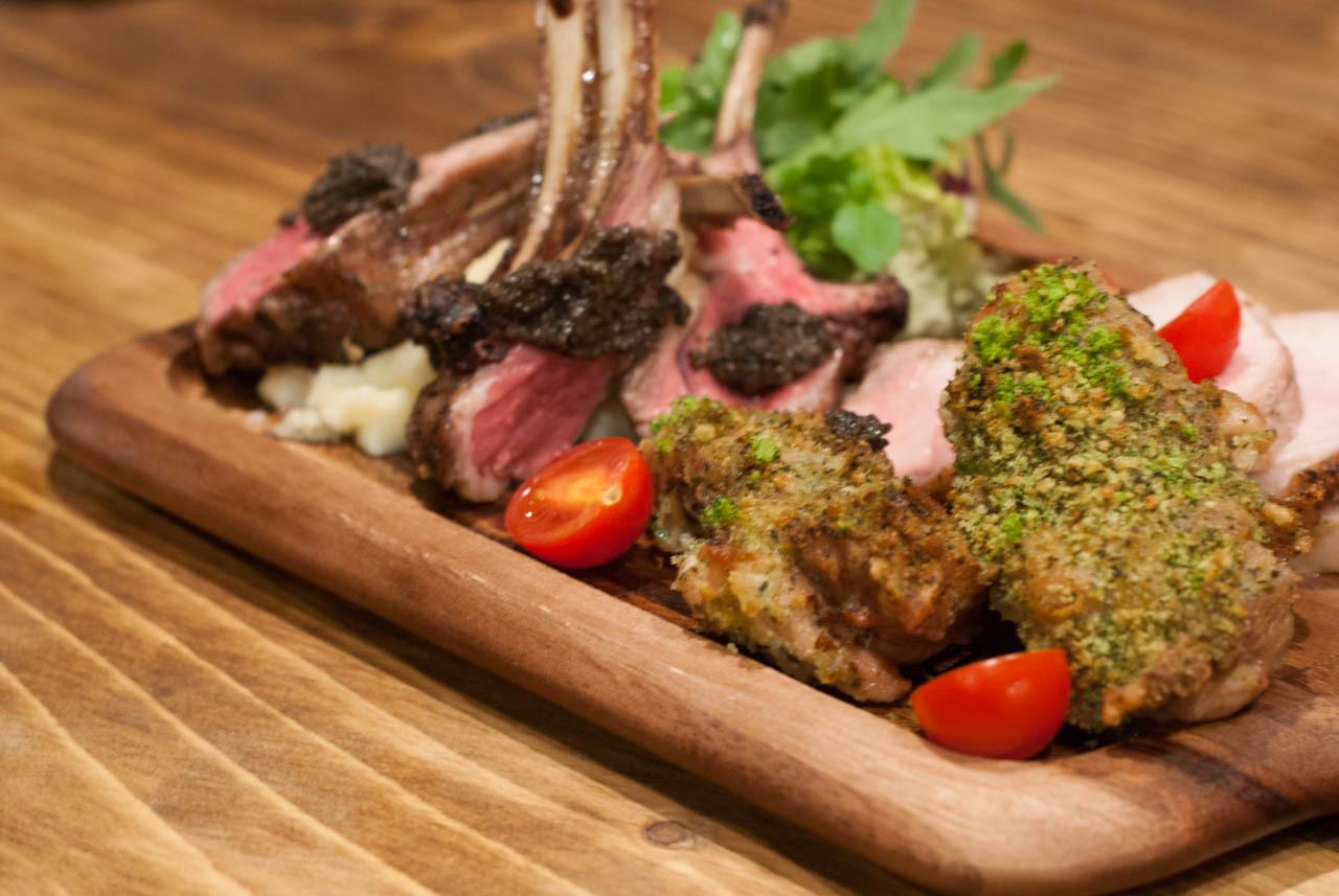 適合愛吃肉女子的肉Bar! 梅田『Tree House Diner』