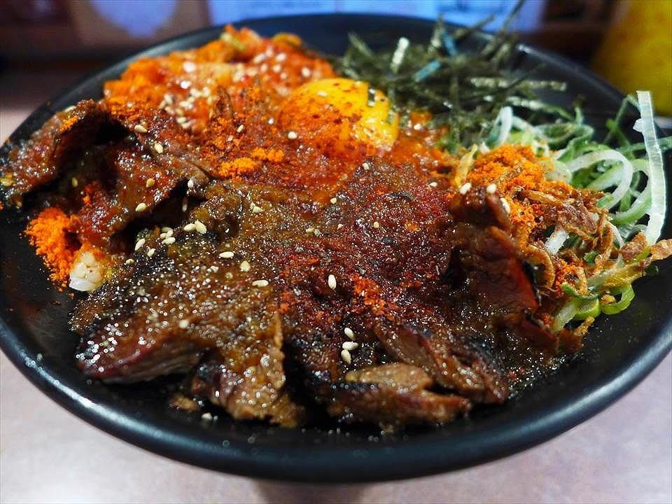 惠美須町,中午開始大嗜肉料理! 『肉丼専門 富士晃』
