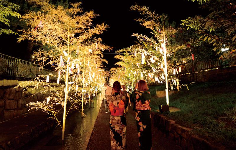 【已結束】8月的京都是「京之七夕」!在各地舉行浪漫燈光秀和幻想般的展示等富有特色的活動♪