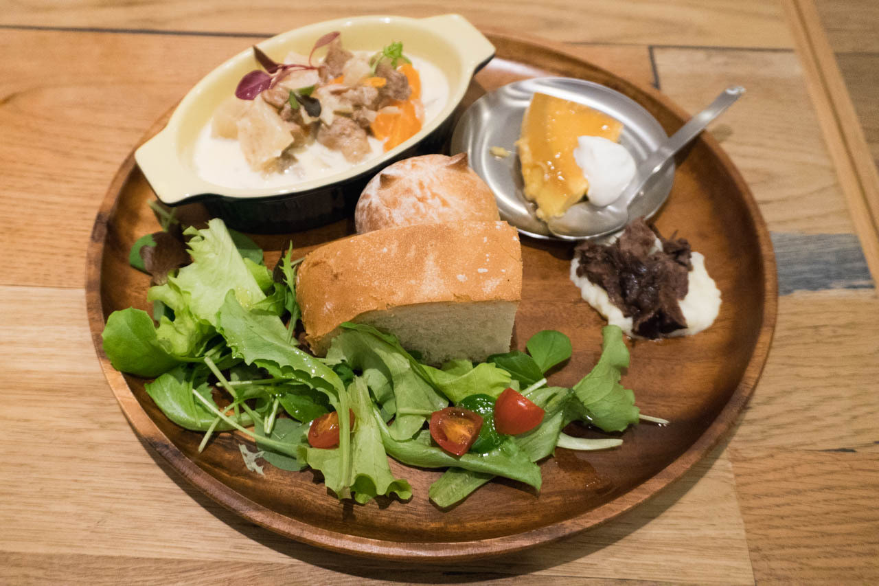 在福島『esras.cafe』裡享受無農藥蔬菜的愛爾蘭料理拼盤午餐!