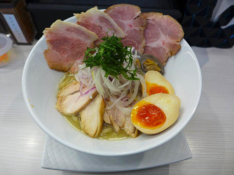 在堺筋本町,拉麵+pasta=Rapas!『Fuku流 分家 WADACHI(ふく流ラパス 分家 WADACHI)』
