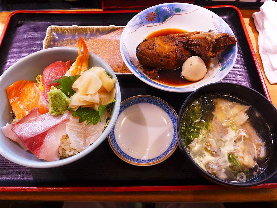 午間時段,CP值超高的「海鮮散壽司套餐」!阿倍野・天王寺『魚市 本店』