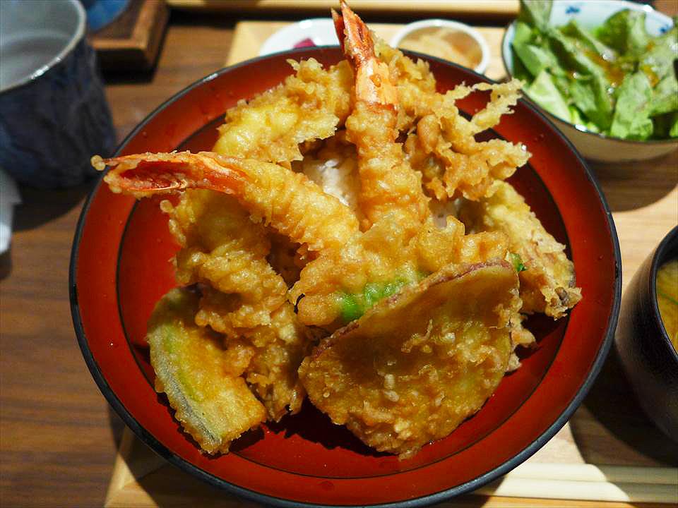 超人氣的酥脆天丼、滑嫩親子丼!在梅田『NURU燗佐藤 大坂(ぬる燗佐藤 大坂)』吃午餐