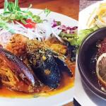 辣味咖哩名店虹の仏淡菜海鮮咖哩與漢堡排