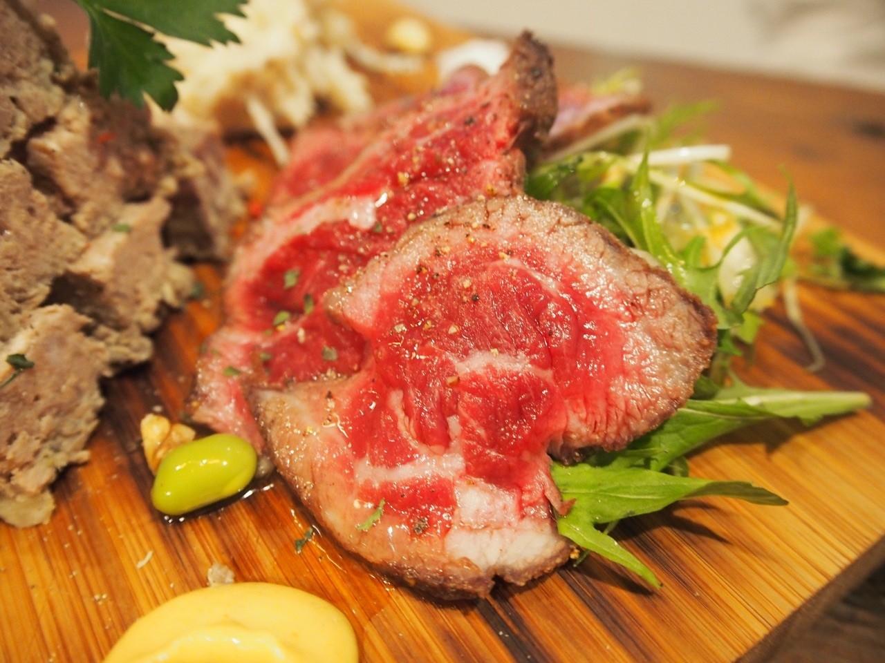 炙燒牛肉切片