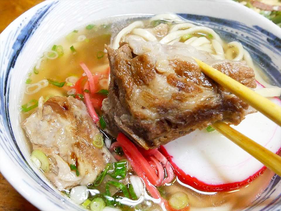 大阪沖繩料理店排骨麵