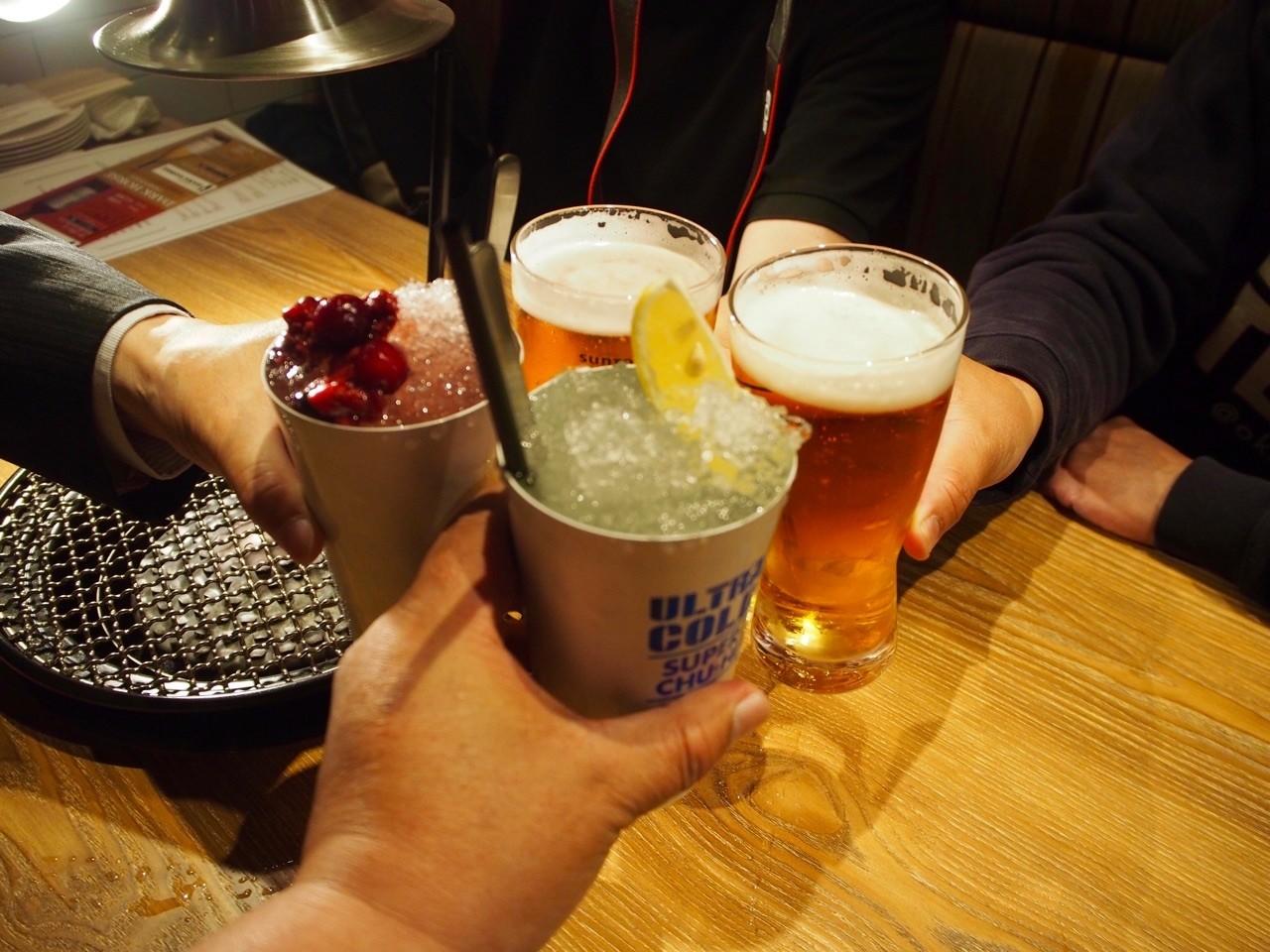 冰山沙瓦乾杯