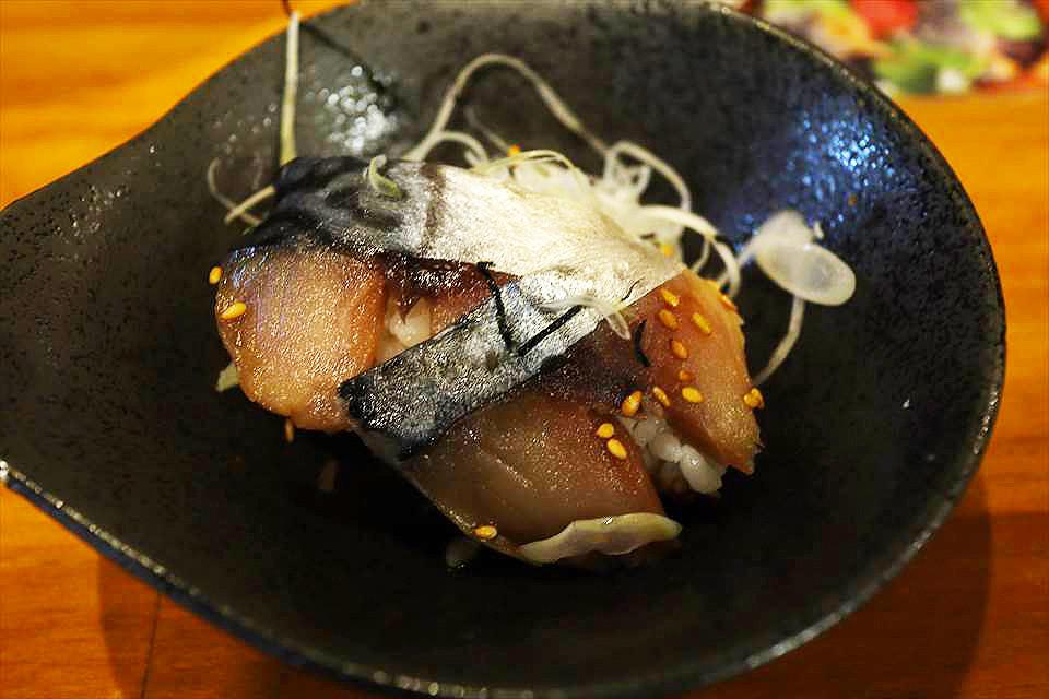 胡麻醬鯖魚