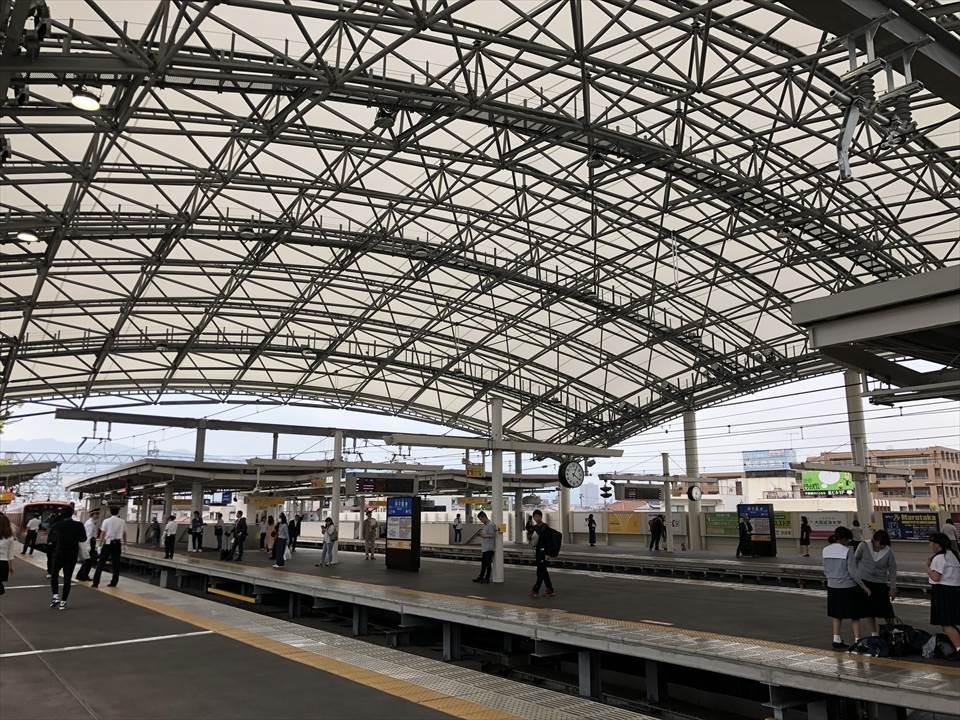 阪神電車甲子園車站月台