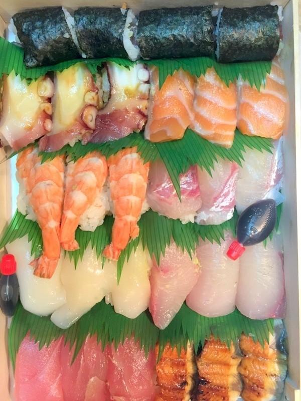 外帶壽司三人份