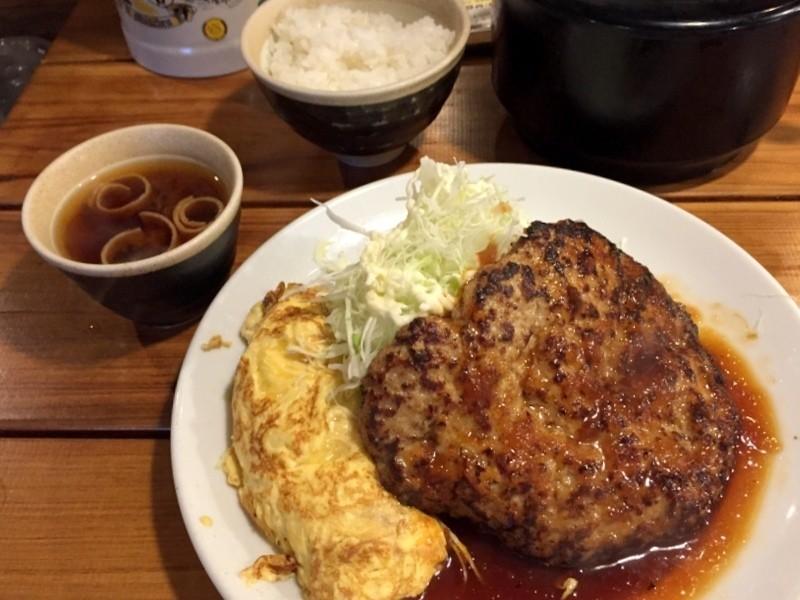 漢堡肉煎蛋卷定食