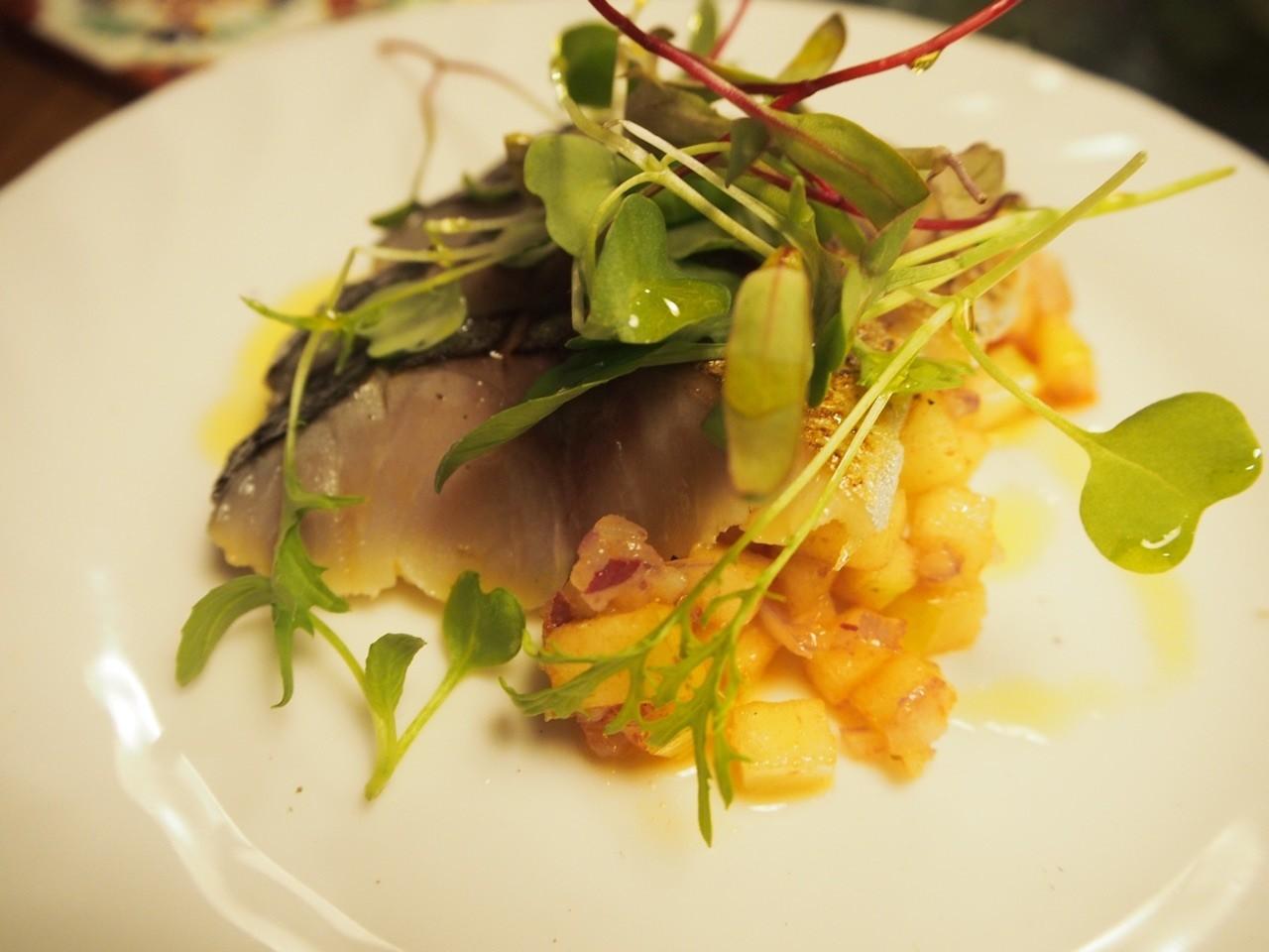 炙燒鯖魚蘋果檸檬醬汁