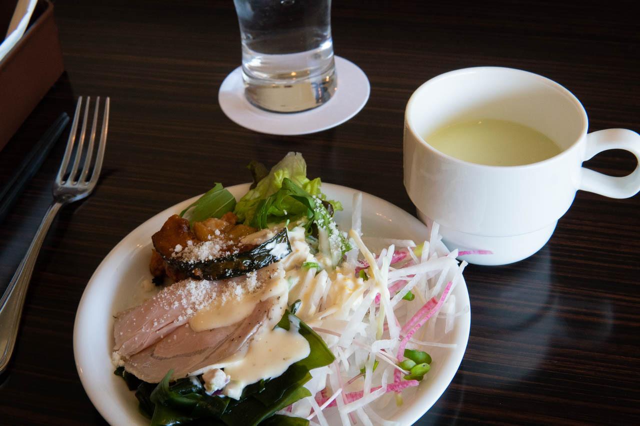 午間自助餐