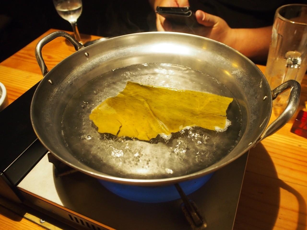 涮牡蠣鍋物