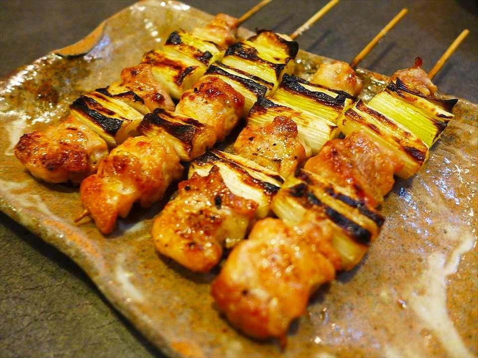 大阪的實力派烤雞店、超越口碑的美味。堺筋本町『炭火燒鳥NAKAO(炭火焼鳥なかお)』