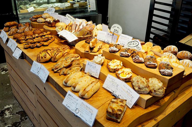 在大阪・福島的麵包咖啡館『foodscape!』享受放鬆片刻。講究食材烘焙而成的麵包和咖啡,超引人注目