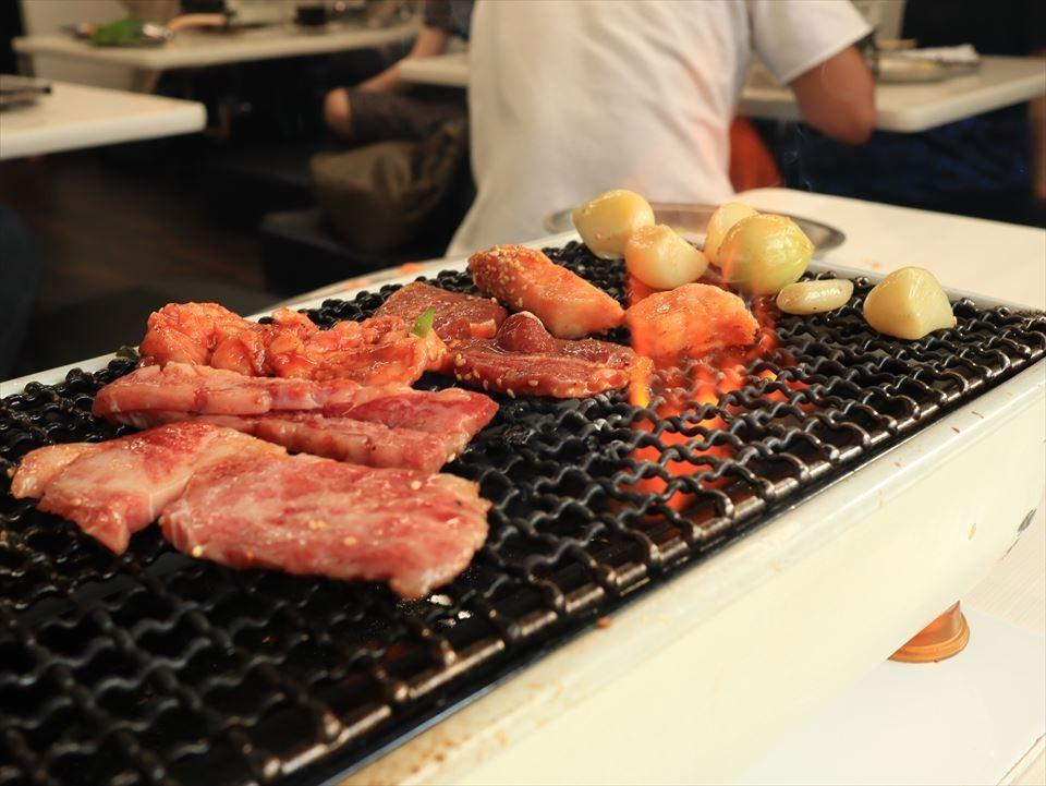 大阪美食|便宜好吃的燒肉店激戰區-鶴橋的超人氣餐廳!『空 鶴橋總本店(空 鶴橋総本店)』