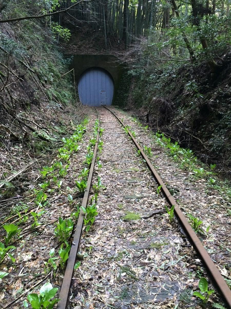 平時為封閉狀態的「山守隧道」
