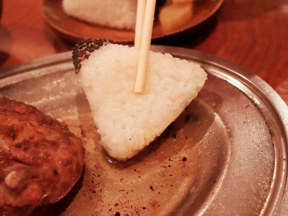 大阪美食|在大阪也能吃到香川丸龜的美味鄉土料理!心齋橋『骨付鳥 一鶴』